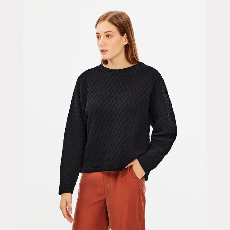black-blouse-zakar-1