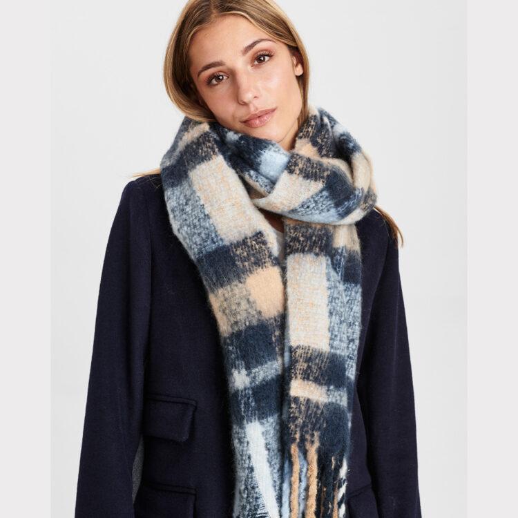 scarf-numph-1