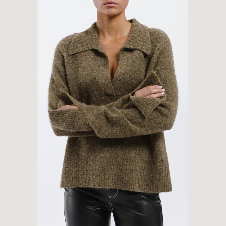 zoya-sweater-1